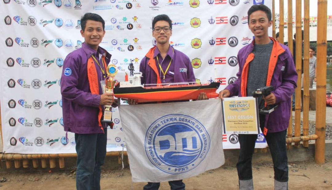 "JUARA BEST DESAIN di ""Diponegoro Maritime Super Celebration 2018″ di Universitas Diponegoro"